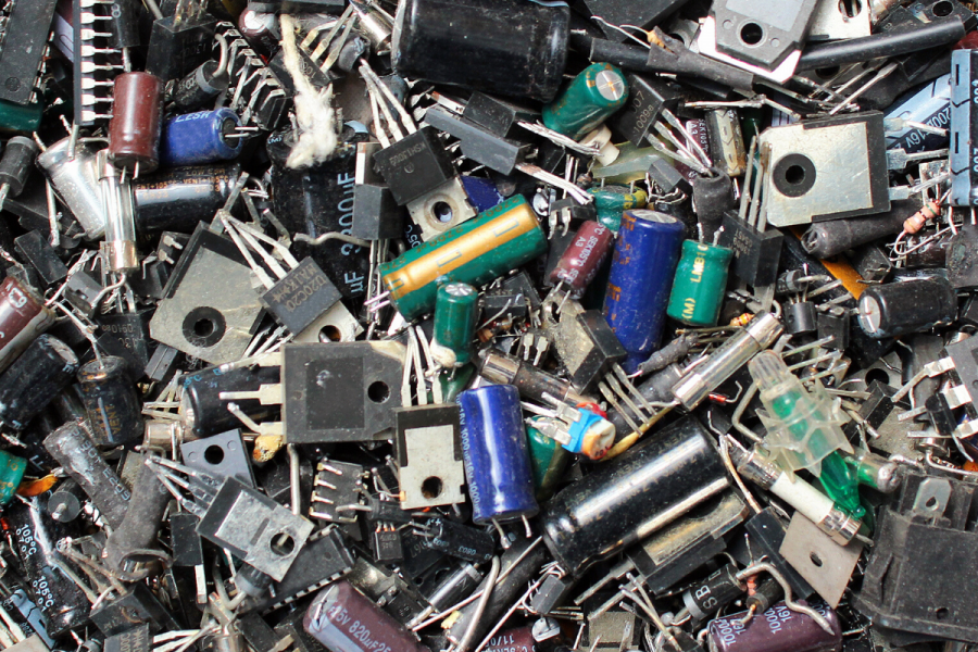 NIGERIA'S E-WASTE MOUNTAIN image